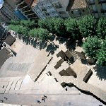 Los Fueros Square