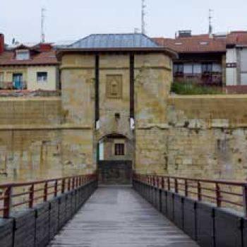 Puerta de San Nikolas. Muralla de Hondarribia